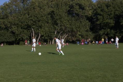 Boy's Soccer Team Falls to Henley in Thriller