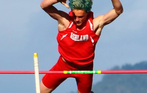 Ashland Track and Field Sweeps Eagle Point