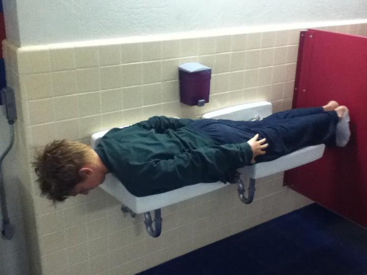 Tristan Gavin planks